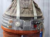 Dekompresní oblek (foto: Anagoria, wikiemdia.org)